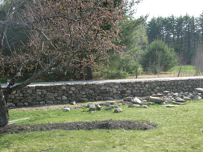 Traditional stone wall by professional stone wall builder New England Accents